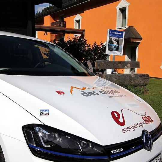 e-Golf Auto-Vermietung Hotel des alpes Fiesch