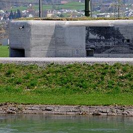 Bunkerbeschriftung in Schablonentechnik am Linth - Escher Kanal