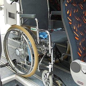 Mercedes Sprinter mit Rollstuhl