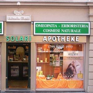 La Farmacia Solari si trova a Lugano in Via Soave 1