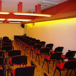 Salle de Cinéma 60 places
