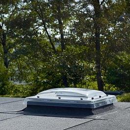 Exutoires de fumées VELUX pour toit plat