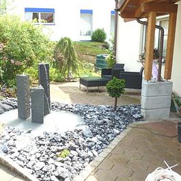 1 Brunnenbau mit Wasserspiel