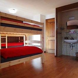 """Chambre sextuple/Sechsbettzimmer/Sextuple room """"Grand-Combin"""""""