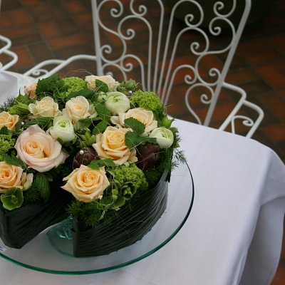 Senn Blumen AG - Floraler Geburtstagskuchen