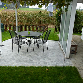 2 Gartenumänderung Sitzplatzpflasterung