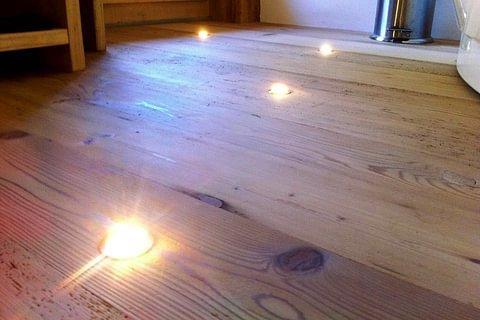 Boden mit Leuchten