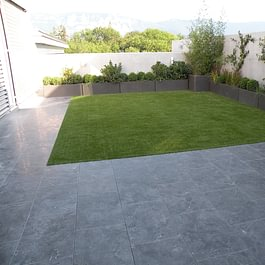 Terrasse et gazon synthétique
