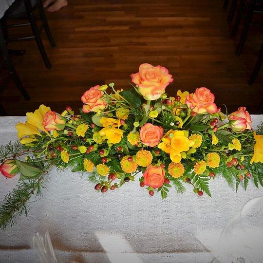 Blumendekoration Restaurant Neuhaus