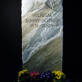 Grabstein aus Praly Spaltmarmor