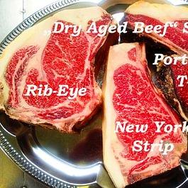 Dry Aged Beef Steaks mindestens 12 Wochen am Knochen gereift mit Edelschimmel