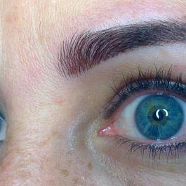 Maquillage permanent des sourcils 2 APRES