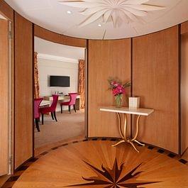 Premium Lake View Suite - Le Richemond