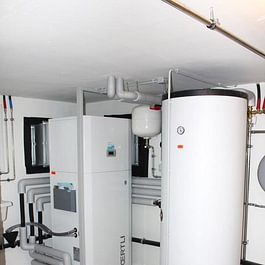 Pompe à chaleur air-eau intérieure pour une villa