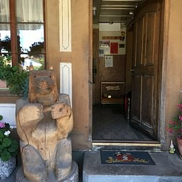 Bären Aetigkofen Eingang