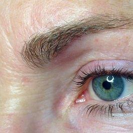 Maquillage permanent des yeux 2 AVANT