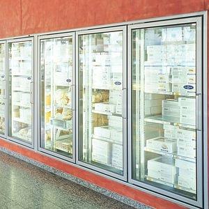 Fabrikladen mit tiefgekühlten Feinbackwaren