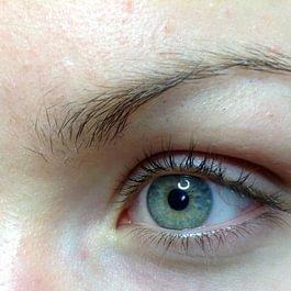 Maquillage permanent des yeux AVANT