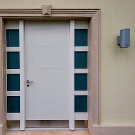 Haustüre mit Seitenverglasung