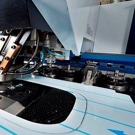 Stanz-Lasermaschine