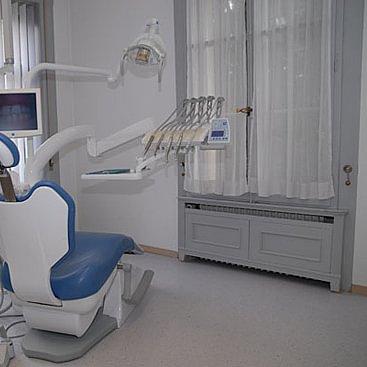 Zahnarztpraxis Dr. med. dent. Stampfli Beat, Herzogenbuchsee