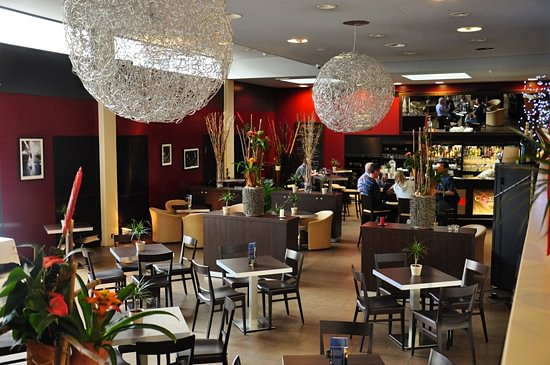 Restaurant Cote Cour Cote Jardin In Geneve Adresse