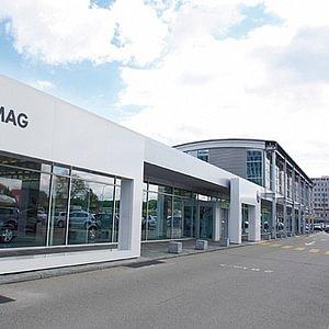 VW und VW Nutzfahrzeuge Showroom
