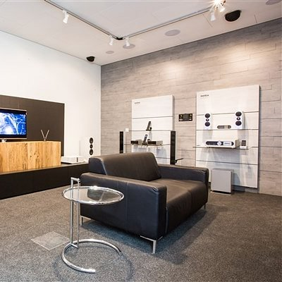 REVOX Showroom
