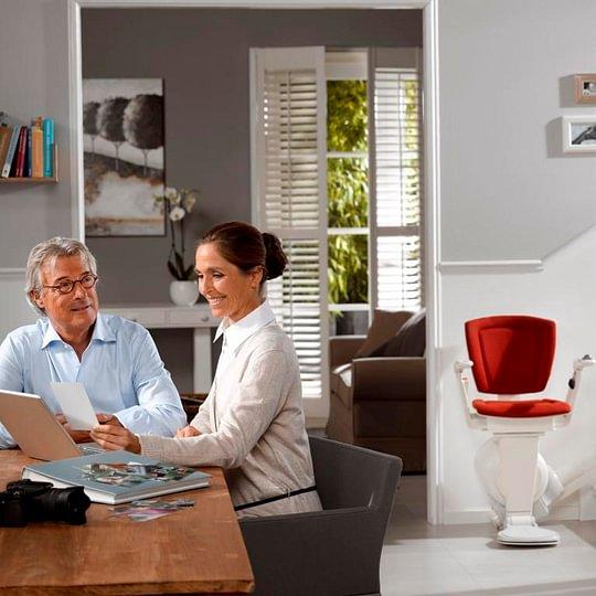 Eine Mono Sitzlift erhöht die Lebensqualität