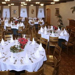 grosser Saal geeignet für Hochzeiten, Familienfeste, Firmenanlässe usw...