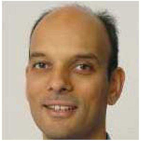 Dr. med. Menon Suresh