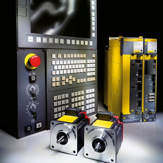 FANUC CNC, Verstärker und Motoren