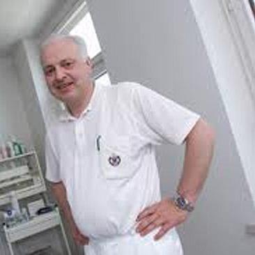 Dr. med. Manfred Rützler
