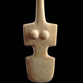 Figure type « violon ». Art des Cyclades.