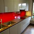 crédence verre , coloris rouge extra clair.