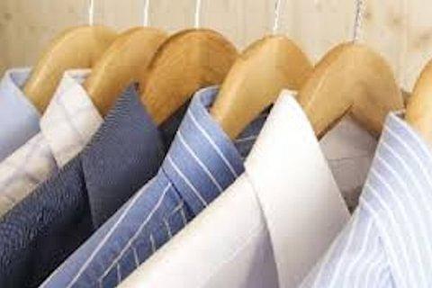 Hemd waschen und bügeln