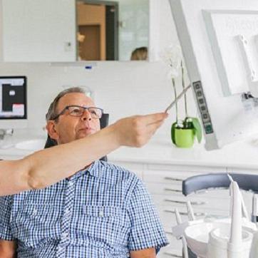 Zahnarztpraxis Dr. Lüönd, Brunnen, Behandlung