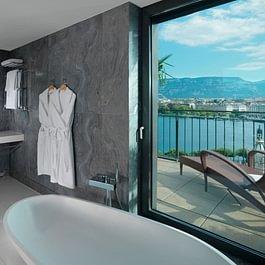 Royale Armleder Suite (bathroom) - Le Richemond
