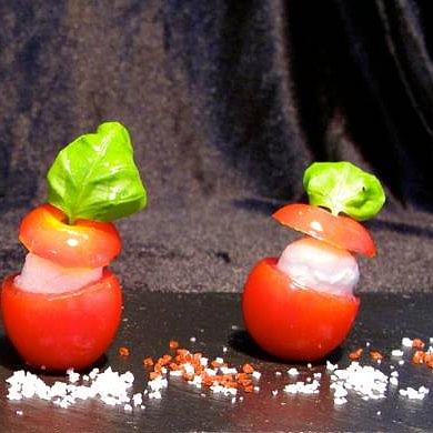 Tomaten Mozzarella mit hausgemachtem Pesto
