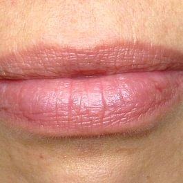Maquillage permanant bouche AVANT