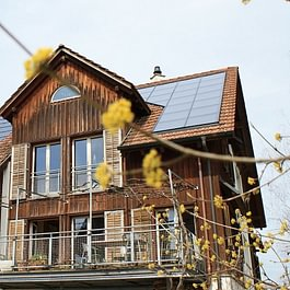 Photovoltaik- + thermische Solaranlage Eschenbach