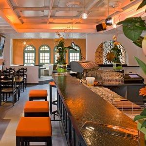 Adhhoc Hotel mit Joker Bar & Pub