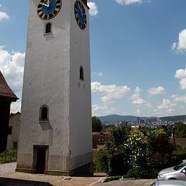 Chappele-Turm im Dorfkern Opfikon