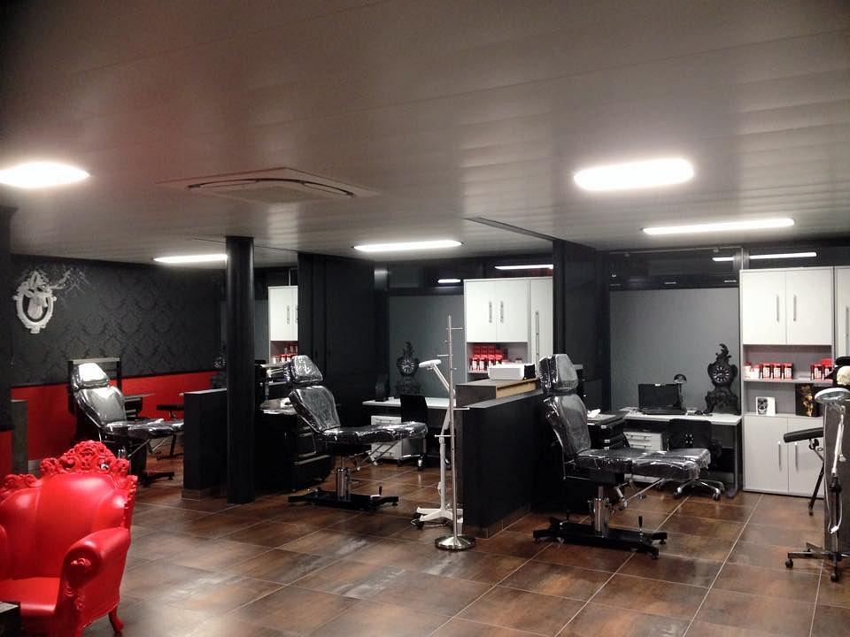 experiment ink tattoo martigny adresse horaires d 39 ouverture sur. Black Bedroom Furniture Sets. Home Design Ideas