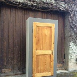 Armoire MDF/ porte ancienne