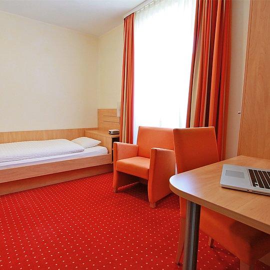 Einzelzimmer Hotel des alpes Fiesch Aletsch Arena