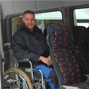 Fahrgast im Rollstuhl