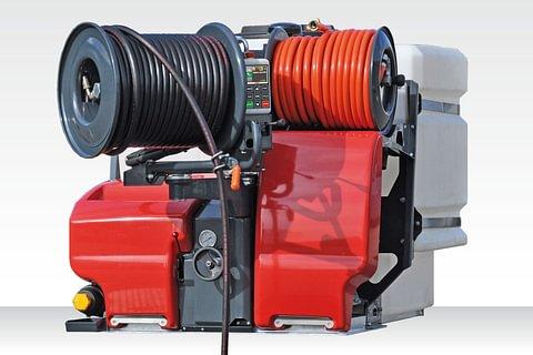 •Nettoyage et débouchage des canalisations avec notre camion hydro-cureuse
