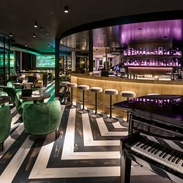 Bar / Restaurant Central 1 mit Pianomusik (abends)