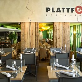 Plattform Restaurants mit Tapas & Bar